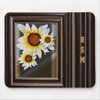 Daisies monogrammed mouse pad