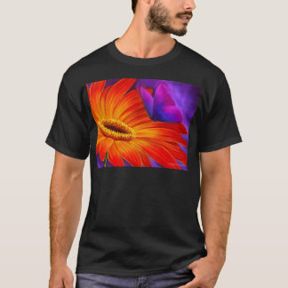 DAISY & BUTTERFLY ART PAINTING - MULTI T-Shirt