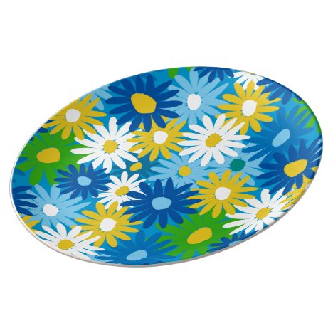 Daisy covered dinner plate