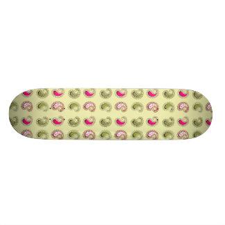 Daisy Floral Pattern Skateboard Deck