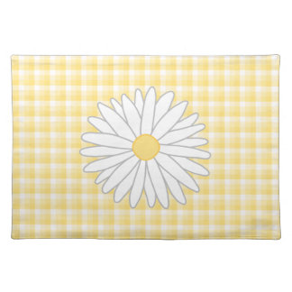 Daisy Flower in Yellow and White. Placemat