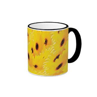 Daisy flower ringer mug