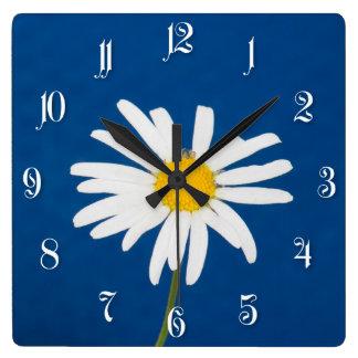 Daisy flower square wall clock