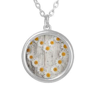 Daisy heart round pendant necklace