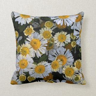 'Daisy Mums' Pillow