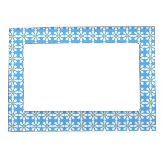 DAISY PATTERN MAGNETIC FRAME