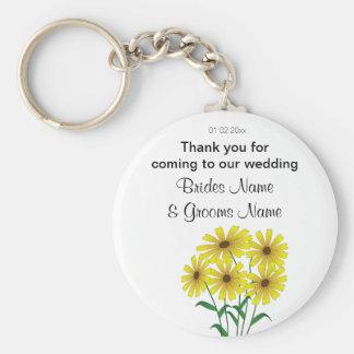 Daisy Wedding Souvenirs Keepsakes Giveaways Keychain