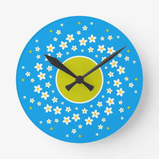 Daisy Wheel Motif Round Clock