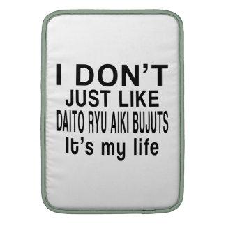 DAITO RYU AIKI BUJUTSU IS MY LIFE SLEEVE FOR MacBook AIR