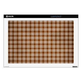 Dak Brown y tela escocesa blanca Portátil 43,2cm Skins