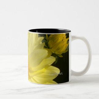 Dalia amarilla de 9 Swirly Taza De Café