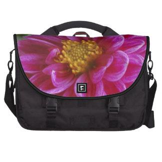 Dalia rosada del corazón bolsas para portátil