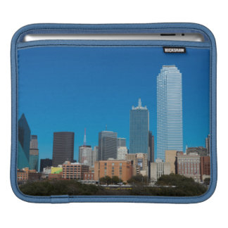 Dallas Texas skyline at sunset Sleeve For iPads