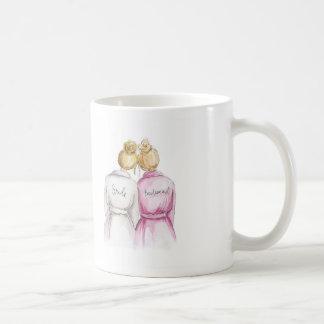 ¿Dama de honor? Criada rubia del bollo de la novia Taza De Café