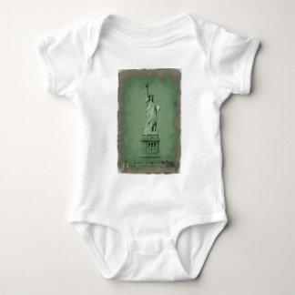 Damaged Photo Effect Statue of Liberty T Shirt