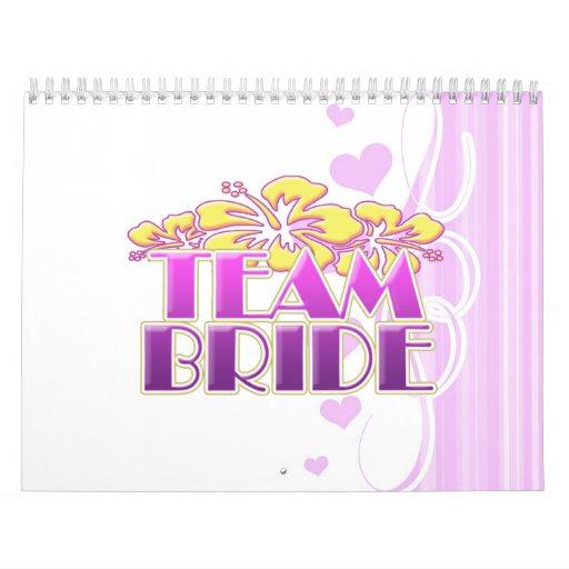 Damas de honor florales de la novia del equipo que calendario de pared