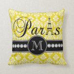 Damasco amarillo elegante París con monograma Cojines