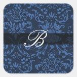 Damasco azul con la caligrafía B del monograma Calcomanía Cuadrada Personalizada