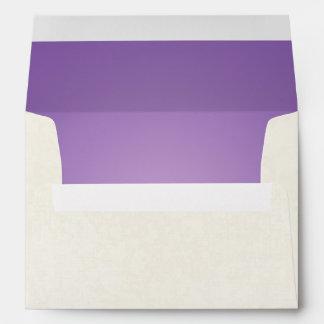 damasco blanco del sobre 5x7 fuera de la púrpura d