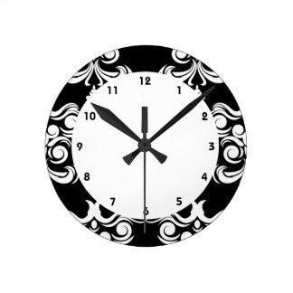 Damasco blanco y negro reloj redondo mediano