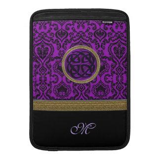 Damasco de la púrpura real con el nudo céltico fundas macbook air