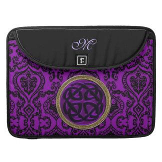 Damasco de la púrpura real con el nudo céltico fundas para macbooks