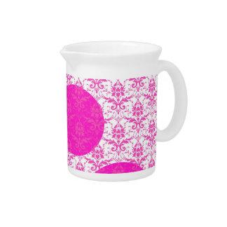 Damasco de las rosas fuertes con los lunares rosad jarra de beber