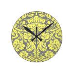 Damasco de lujo amarillo y gris modelado reloj