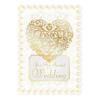 Damasco del oro afiligranado y invitación del boda