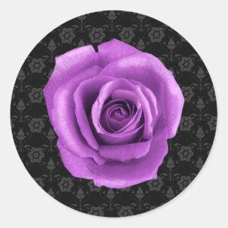 Damasco elegante y pegatina color de rosa púrpura