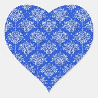 Damasco floral brillante del azul de cobalto y pegatina en forma de corazón