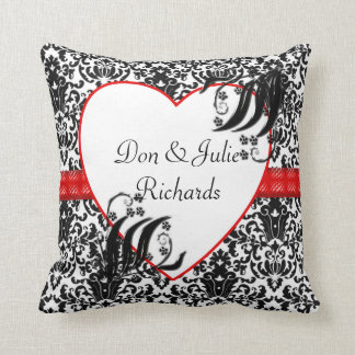 Damasco floral negro blanco y rojo almohadas