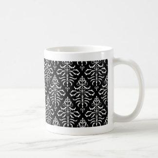 Damasco frondoso - blanco en negro taza clásica