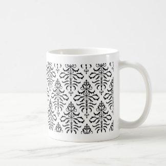 Damasco frondoso - negro en blanco taza clásica