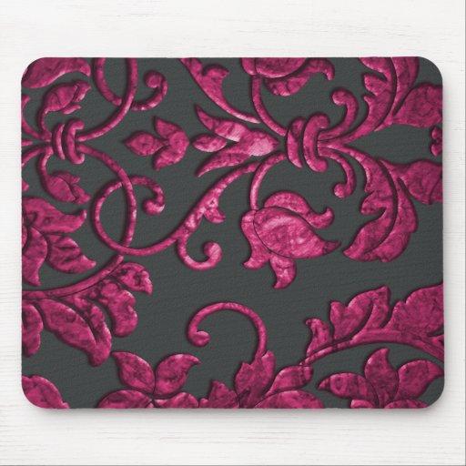 Damasco metálico grabado en relieve, magenta mouse pads