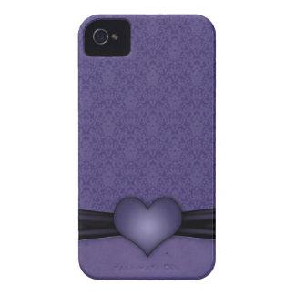 Damasco púrpura oscuro con el corazón iPhone 4 Case-Mate cárcasa
