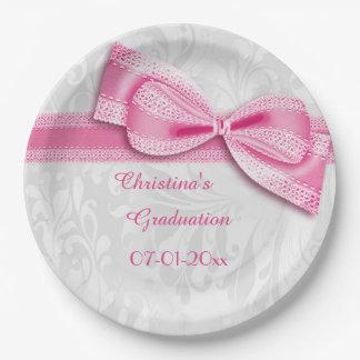 Damasco rosado de la graduación y falso arco platos de papel
