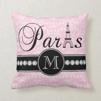 Damasco rosado femenino París con monograma Almohadas