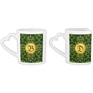 Damasco verde oscuro del oro medieval magnífico taza para enamorados