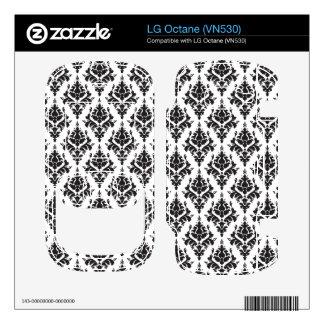 Damask pattern skin for the LG octane