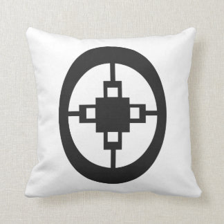 Dame Dame | Symbol for Intelligence and Ingenuity Throw Pillow