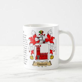 Damon, el origen, el significado y el escudo taza de café
