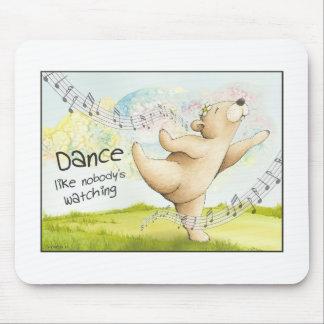 Dancing dances Like Nobody's Watching to bear Mouse Pad