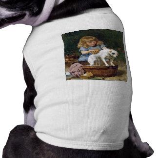 Dando a perro un baño - persiga la pintura de Schy Camisas De Mascota