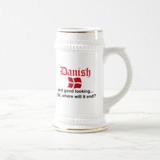 Danés apuesto jarra de cerveza