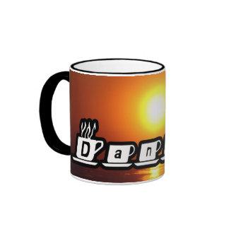 Daniel - en la puesta del sol tazas de café