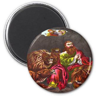 Daniel in the lion`s den Magnet