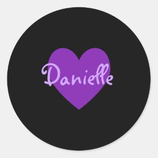 Daniela en púrpura pegatina redonda