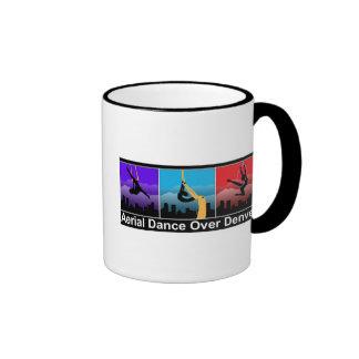 Danza aérea sobre la taza de café de Denver