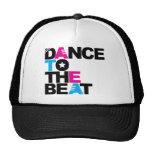 Danza al golpe gorra